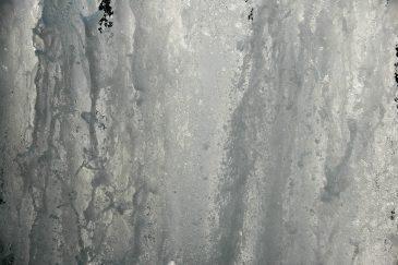 Fullscreen Flowing Water Fountain