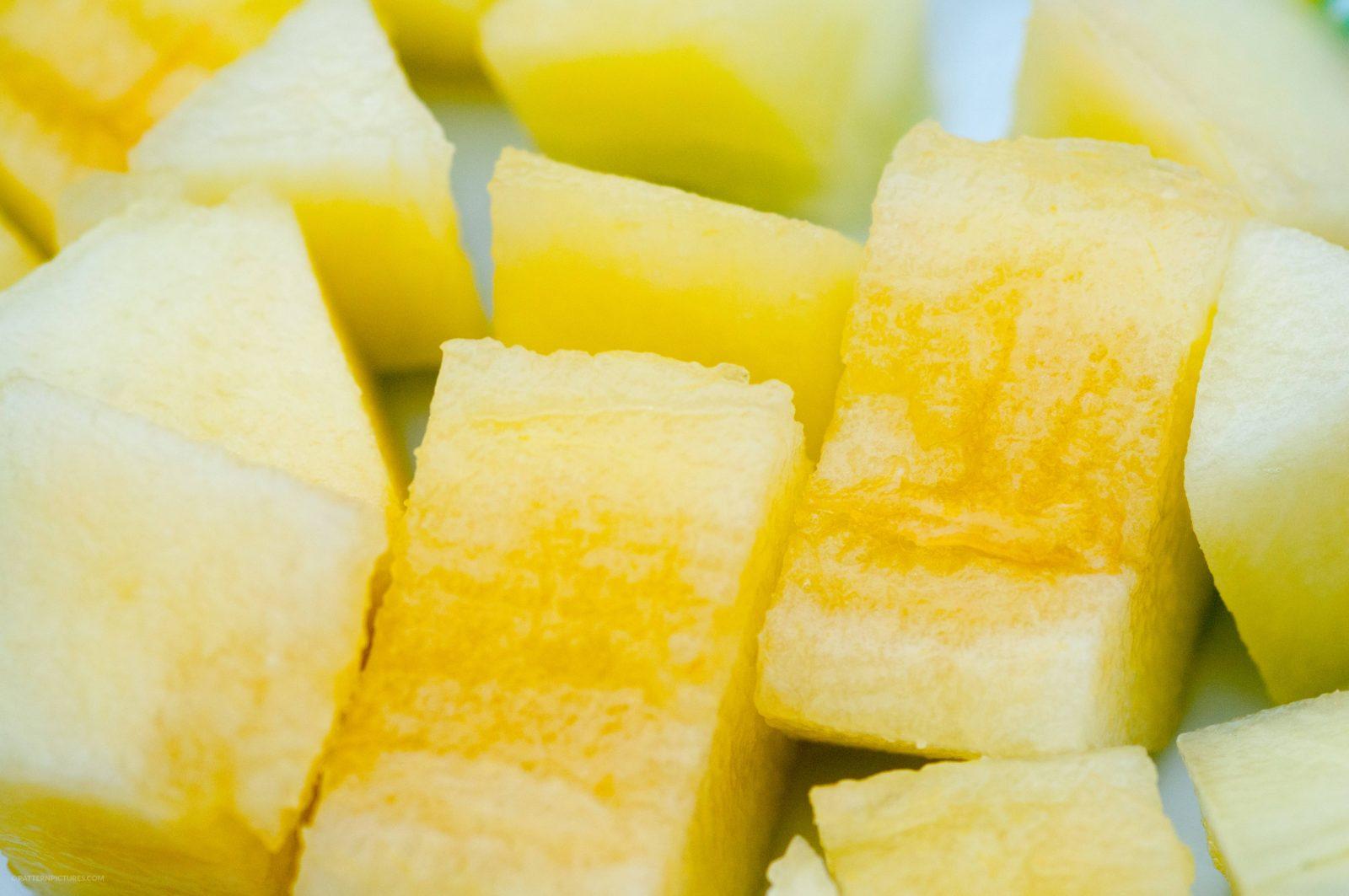 Pieces of honeydew melon pattern