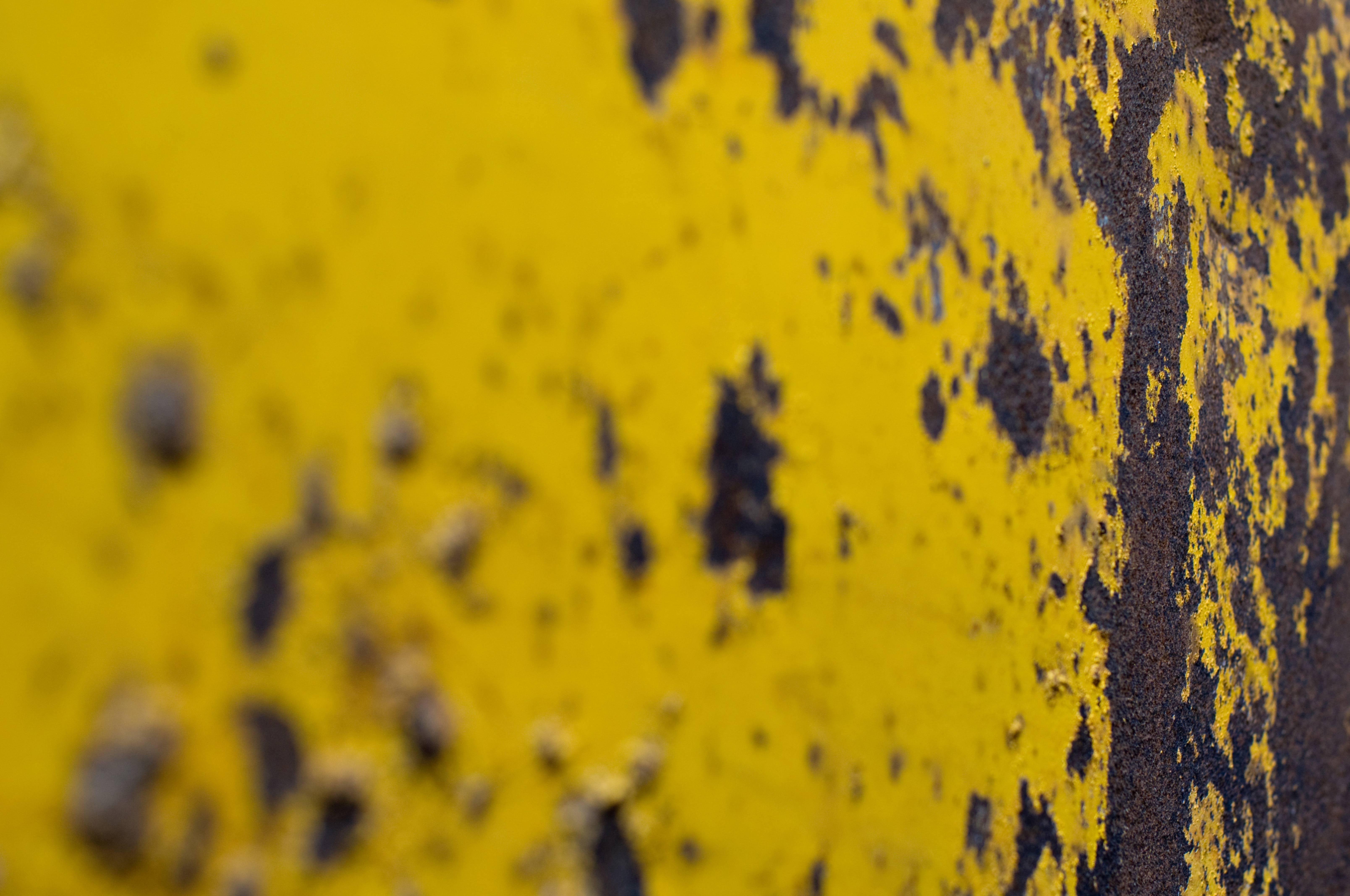 Yellow rusty metal texture photo