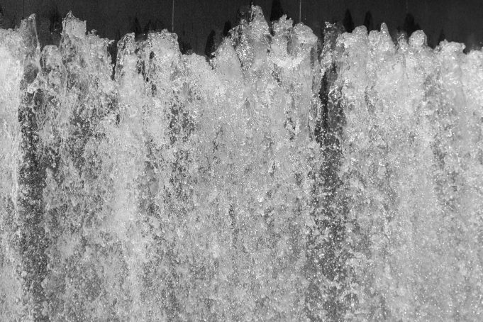 Wall of water fountain
